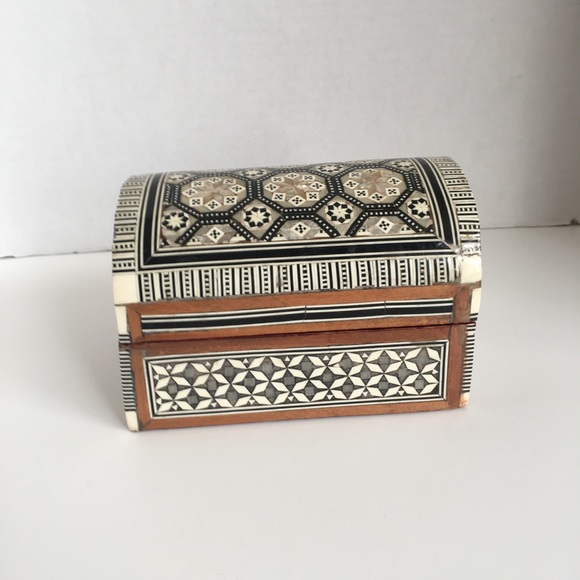Other - Small Wooden Trinket Box!